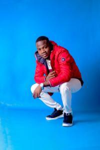 Musician Shaky Akgenlaaaa